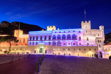 Fotorollo Schloss Beautiful night building of Prince's Palace in Monaco-ville.