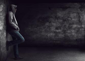 Obraz Man standing alone at night - fototapety do salonu