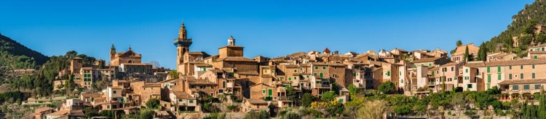 Spanien Mallorca Panorama Berg Dorf Valldemossa