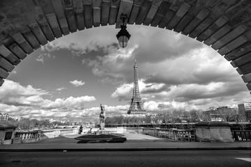 Wall Mural - Eiffel tower view from Bir Hakeim bridge, Paris, France