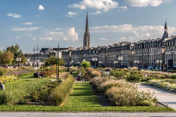 Bordeaux Flèche Saint Michel & Quais de la Garonne