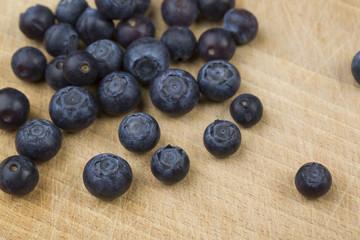 blueberrys on the wood platte