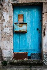 La vieille porte bleu de la maison de Provence