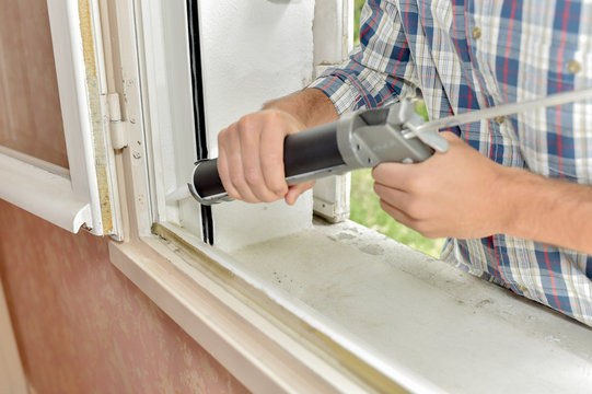 Sealing of a window