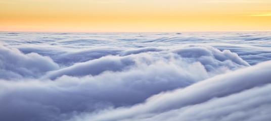 Foto op Plexiglas Hemel Beautiful sunset above clouds