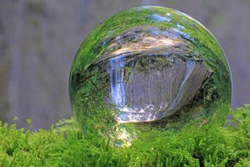 wasserfall in kristallkugel, sense, bern, schweiz