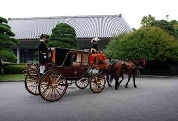 Coach for the Emperor, the imperial palace in Tokyo
