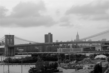 Manhattan panorama with Brooklyn bridge in Black and white