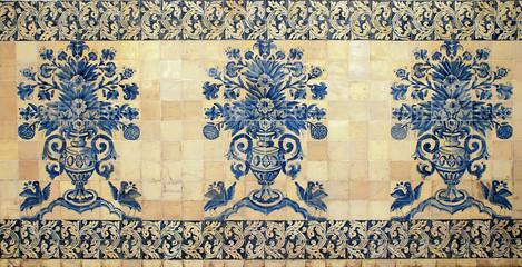 old portugal blue tile pattern
