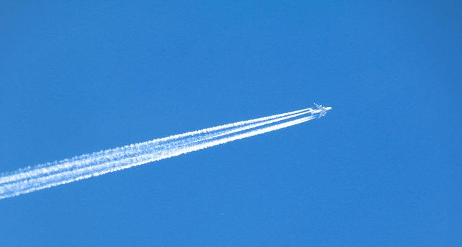 Vierstrahliges Flugzeug