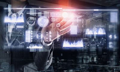 Virtual tehnologies in use . Mixed media
