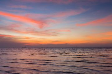 Poster Crimson Beauty of sunset sky over seacoast skyline, natural landscape background