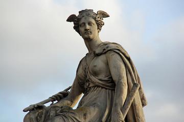 Statue du pont Royal à Paris, France