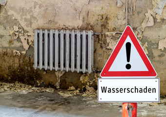 Achtung Wasserschaden Schild