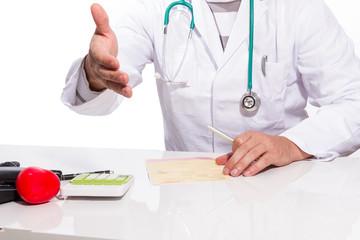 Arzt reicht die Hand