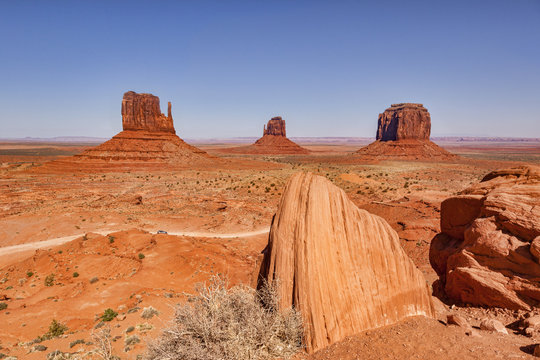 Merrick Butte and the Mitten Buttes, Monument Valley