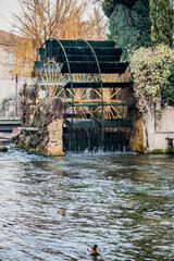 Moulin à papier sur la Sorgue à L'Isle-sur-Sorgue