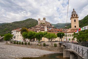 Scorci del centro storico del borgo ligure di Dolceacqua, Imperia, Liguria, Italia