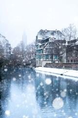 Strasbourg en hiver sous la neige en Alsace, France