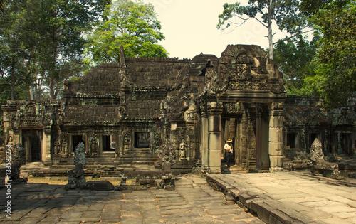 angkor and the khmer civilization pdf