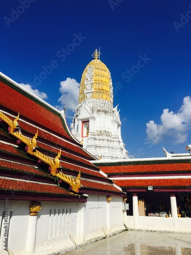 Wat mahathat phitsanulok temple architecture in thailand for Wat architecture