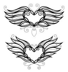 Zwei filigrane Herzen mit Flügeln. In love.