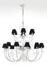 elegante lampadario in metallo, con pendenti in cristallo e paralumi in tela