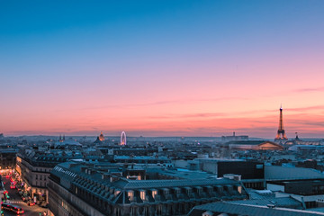 Poster de jardin Paris Eiffel tower on architecture tower at twilight