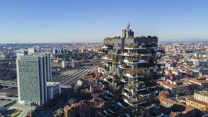 Grattacieli, Milano, Porta Nuova residenze. Stazione di Porta Garibaldi, Italia, 06 gennaio 2017. Vista dei balconi e terrazzi, pieni di piante verdi