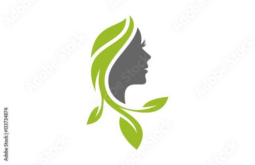quotnatural beauty salon hair treatment logo iconquot stockfotos