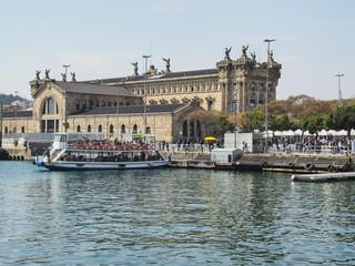 Golondrinas del puerto de Barcelona, Cataluña,España