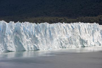 Ghiacciaio del Perito Moreno in una giornata di sole