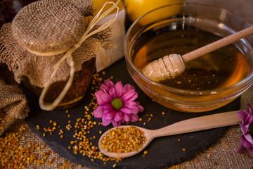 sweet honey and pollen granule for immunity.