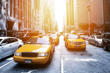 Tuinposter New York TAXI New York Taxi in the sunlight
