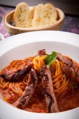 steak tomato sauce spaghetti