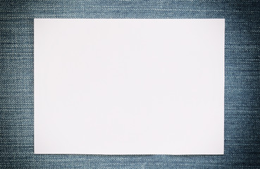 Note paper of empty and copy space on Denim background.