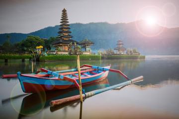Pura Ulun Danu Bratan, Hindu temple on Bratan lake, Bali, Indone
