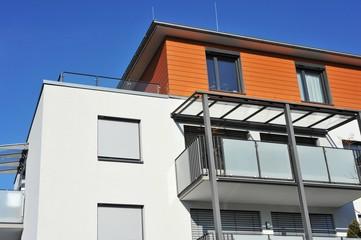 Balkon an Haus-Front