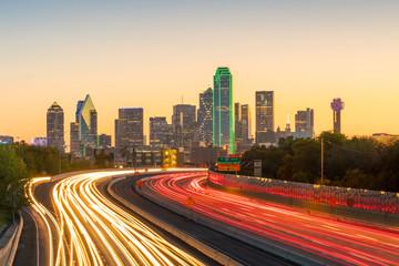 Fototapete - Dallas downtown skyline at twilight, Texas