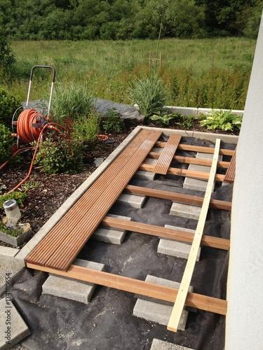 holz terrassen bau stockfotos und lizenzfreie bilder auf bild 134180654. Black Bedroom Furniture Sets. Home Design Ideas