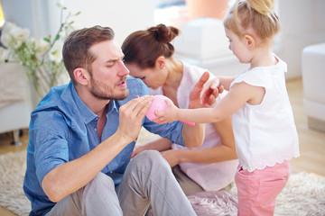 Alltag in Familie mit Kind