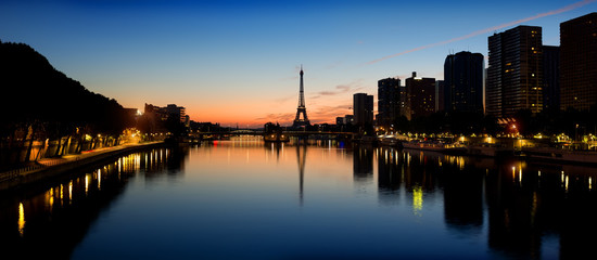 Fototapete - Parisian morning landscape