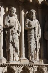 Dos apóstoles, escultura en fachada de la catedral de Burgos
