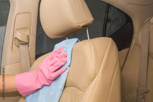 car interior leather seats professionally chemical cleaning with cloth early spring cleaning. Black Bedroom Furniture Sets. Home Design Ideas