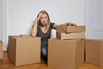 femme épuisée par son déménagement