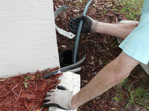 Using Sewer Rod to Clear Blockage