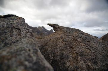 Foto auf Leinwand Fantasie-Landschaft Nahaufnahme von Gesteinsformation im Hochgebirge