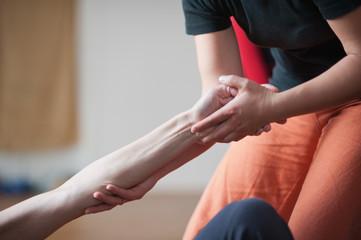 Achtsame Berührung und sanfte Massage