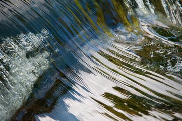 Wasseroberfläche eines Wasserfalls