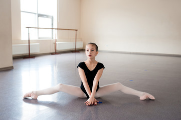Girl Ballet, stretching, learning